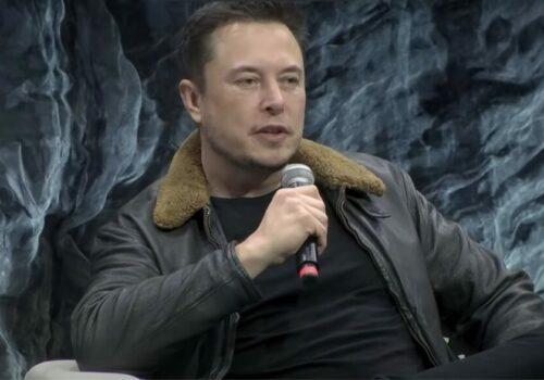 Como Elon Musk hizo de Clubhouse el próximo gran éxito y luego lo rompió (un poco)